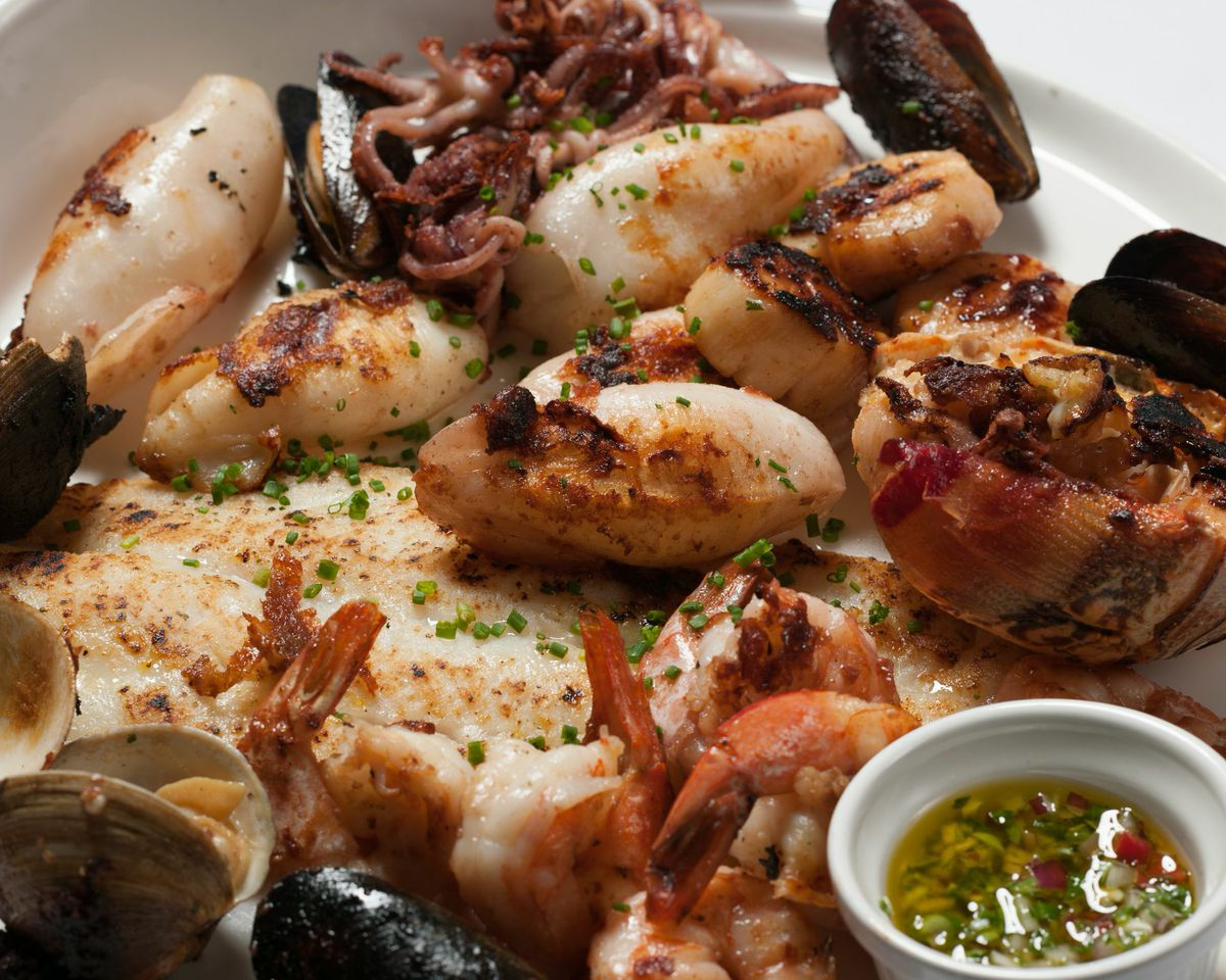 ... Restaurant Coral Gables: lobster stone crab claws shrimp paella fish